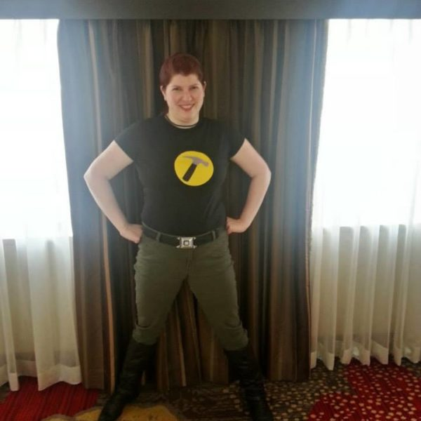 Wilde Cosplay as Captain Hammer