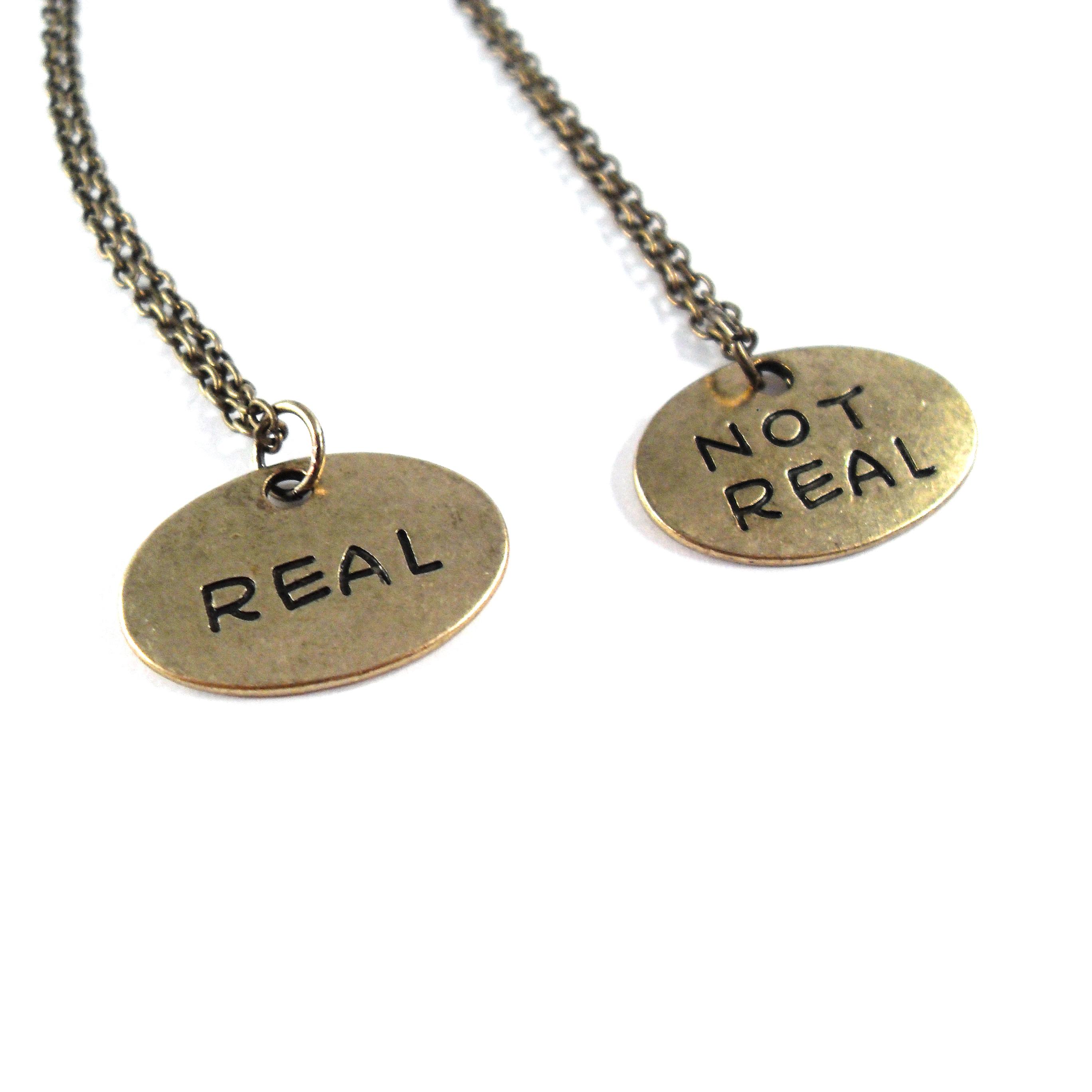 NE040NR_RealOrNotRealGoldNecklaceByWildeDesigns_06