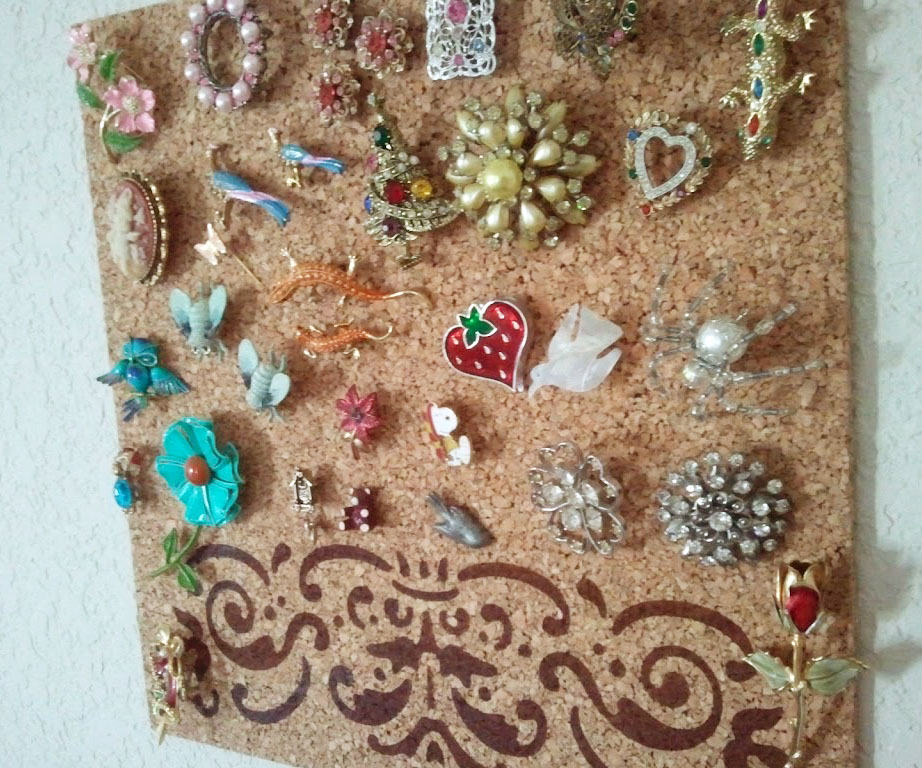 DIY Pin & Brooch Display by Wilde Designs