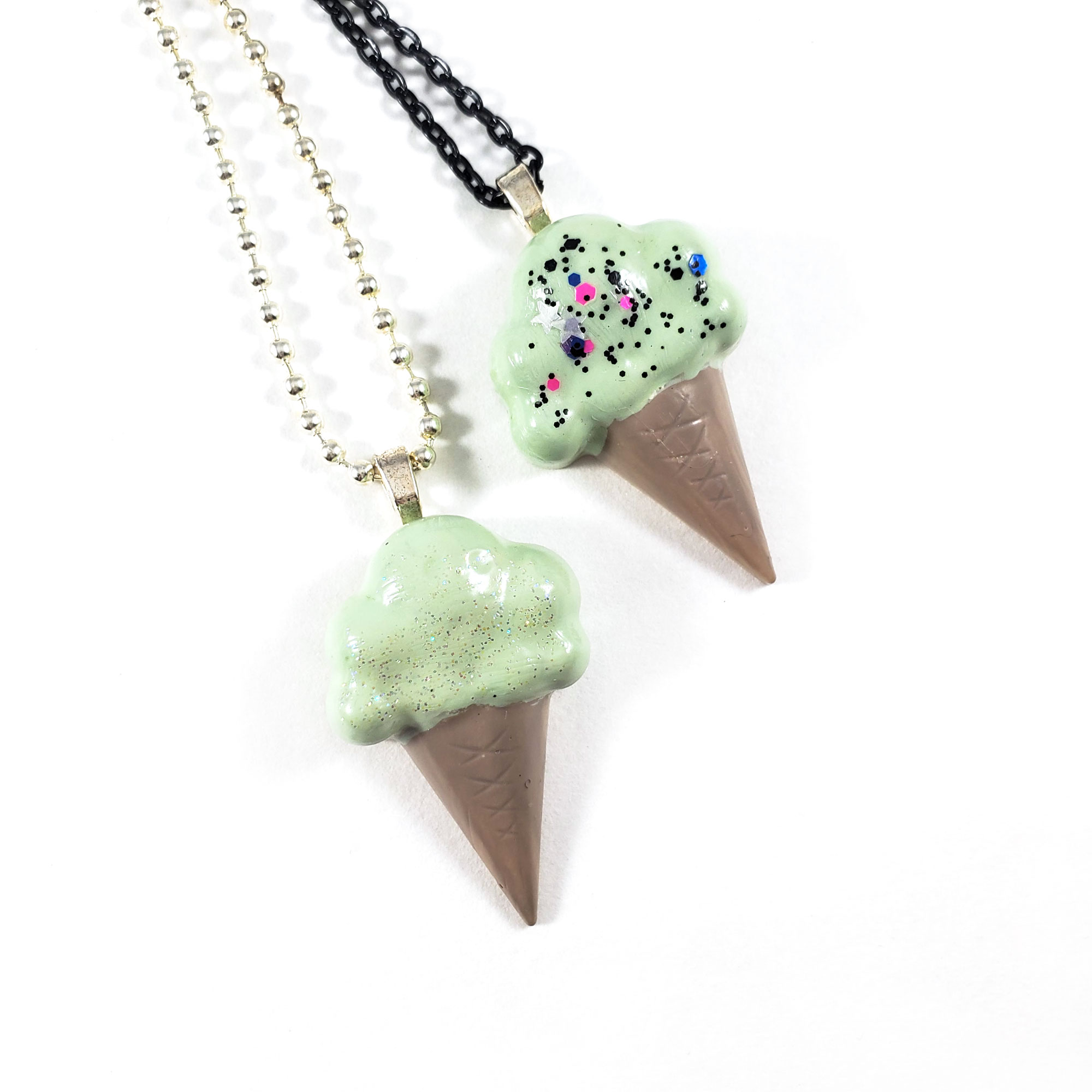 NE115ICEC_MINT_SweetToothIceCreamNecklaceInMintByWildeDesigns_02