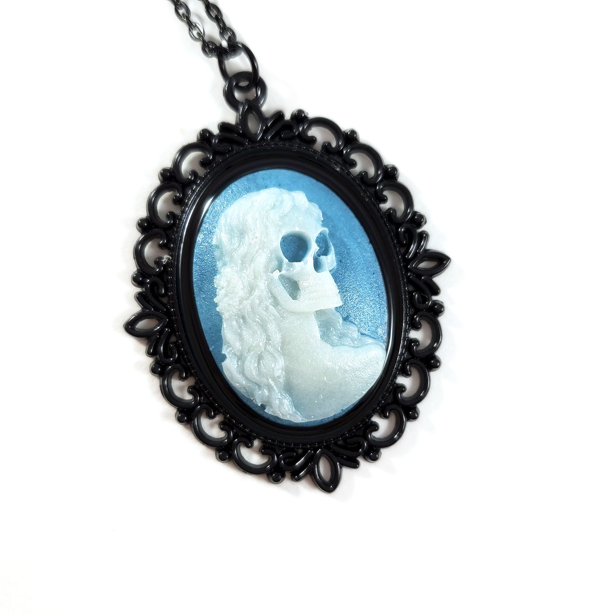 NE323DBH_teal_DeathBecomesHerCameoNecklace_ByWildeDesigns_03